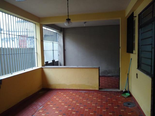 Excelente casa no centro de Realengo na rua professor Carlos Venceslau - Foto 12