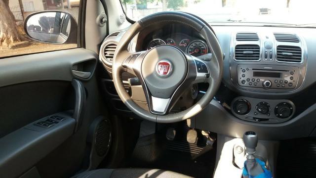 Grand siena 1.6 essence com piloto automatico - Foto 7