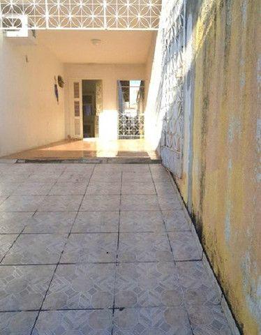 Casa plana com 3 quartos, 2 vagas de garagem, próximo avenida José Leon - Foto 7