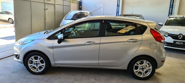 Ford New Fiesta SEL 1.6 Automático vendo troco e financio R$  - Foto 14