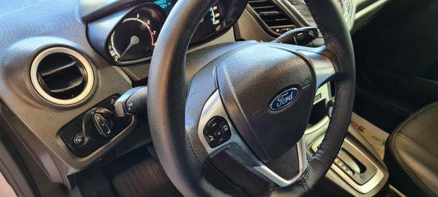 Ford New Fiesta SEL 1.6 Automático vendo troco e financio R$  - Foto 2