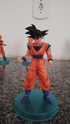 Kit 2 bonecos Dragon Ball