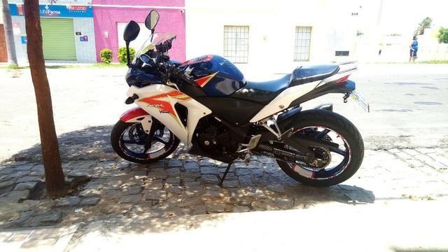 Honda CBR250r Tricolor - Foto 4