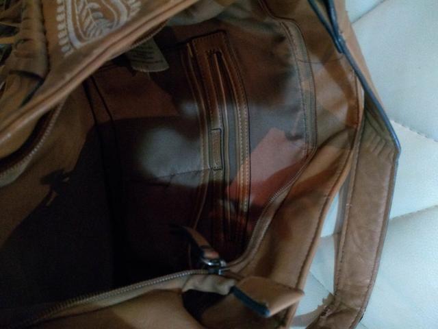 Passo cartão, vendo bolsa de franjas em couro sintético - Foto 3
