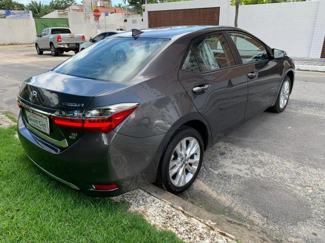 Toyota Corolla Xei cinza aut 2018 27.000km - Foto 8