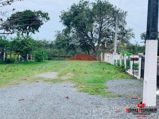Casa de esquina com terreno amplo próxima a lagoa - Foto 11