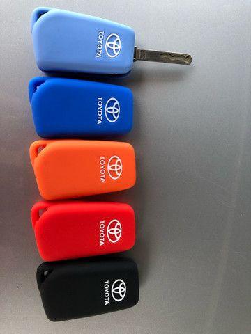 Capinha Chave Silicone Toyota Corola Hilux Gol Golf Amarok Polo Tiguan UP CrossFox Saveiro - Foto 9