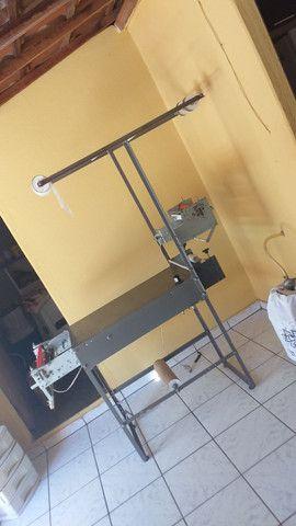 Máquina de fábrica fralda semi nova