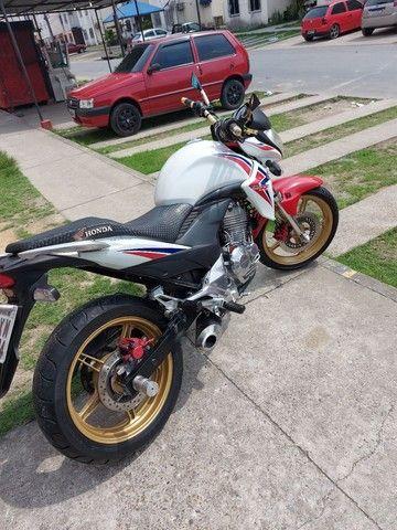 Vendo ou troco essa moto aceito moto, menor com volta.