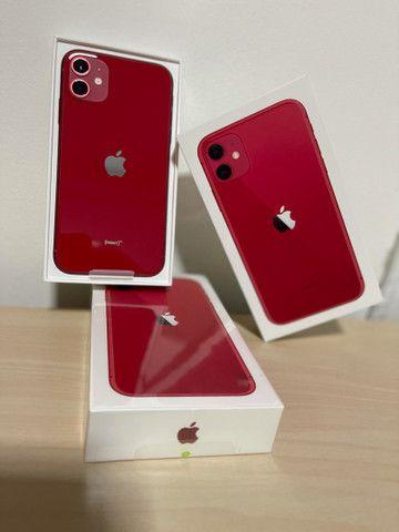 iPhone 11 64gb RED Lacrado  - Foto 2
