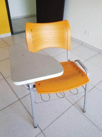 Cadeira estudante robusta com porta livros - Foto 3