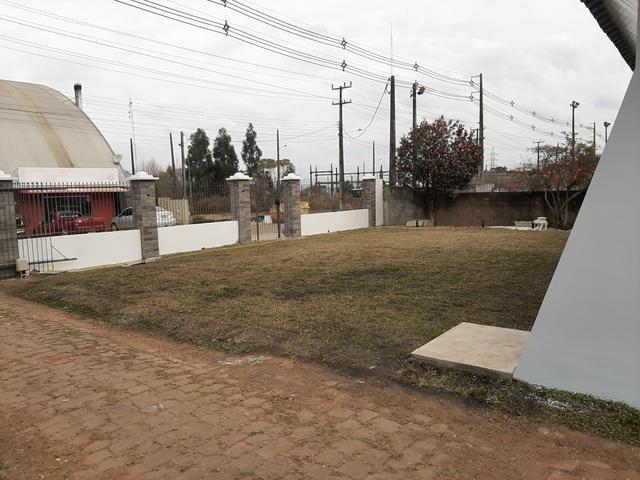 Sobrado de 270,00 m² .terreno de 2.009,00 m² .bairro Industrial Guarapuava PR - Foto 4