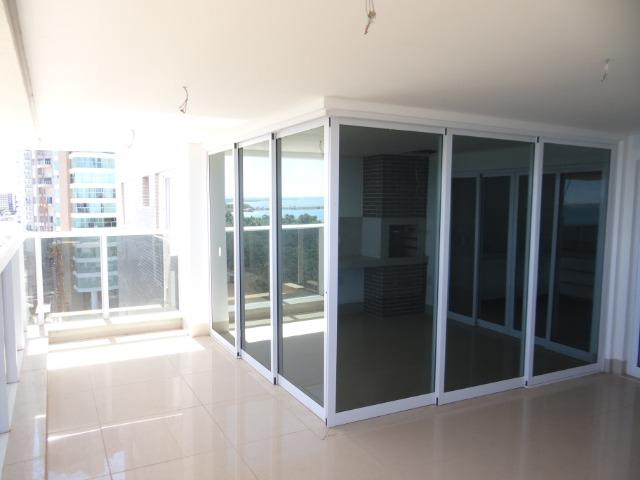 Apartamento de Alto Padrão com 3 Suites na Orla - Foto 12