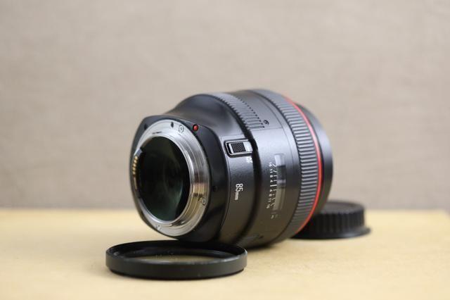 Lente canon 85mm 1.2 série 2 - Foto 2