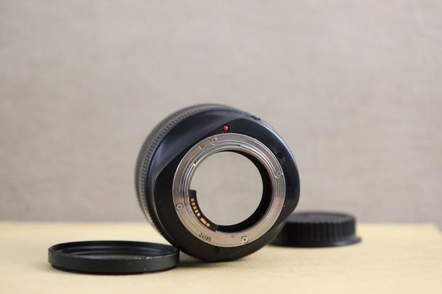 Lente canon 85mm 1.2 série 2 - Foto 4