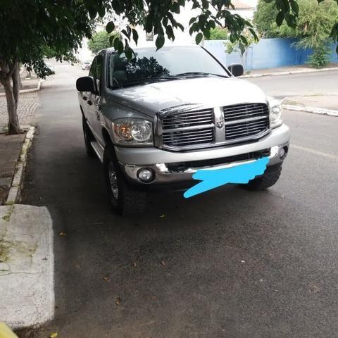 Dodge Ram 2500 prata