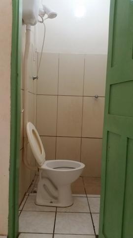 Quarto com banheiro por 430,00 no centro - Foto 2