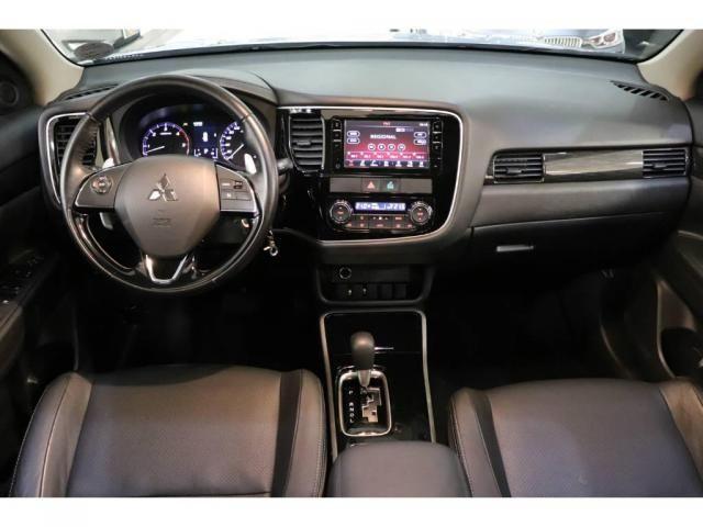 Mitsubishi Outlander 2.2 DIESEL - Foto 8
