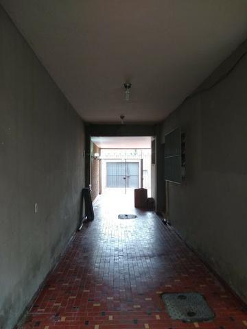 Excelente casa no centro de Realengo na rua professor Carlos Venceslau - Foto 5