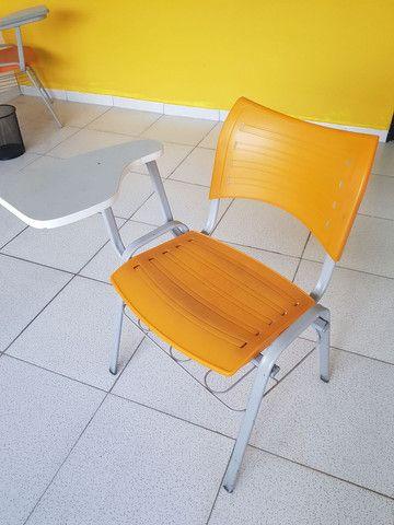 Cadeira estudante robusta com porta livros - Foto 4