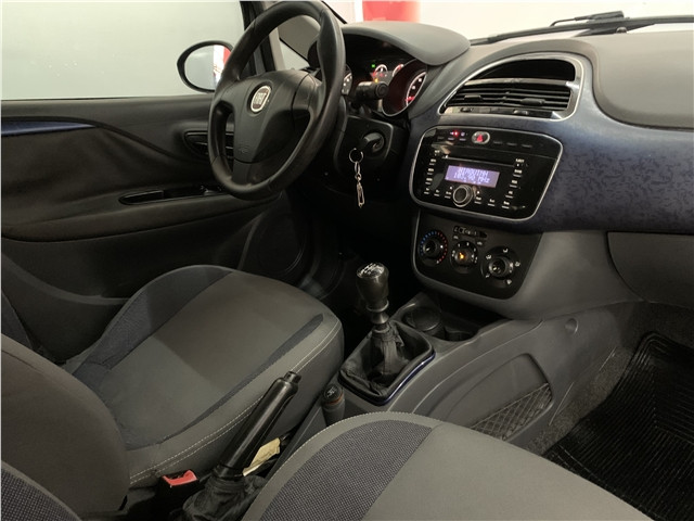 Fiat Punto 2013 1.4 attractive 8v flex 4p manual - Foto 14