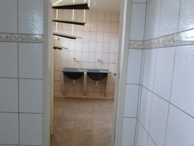 Alugo excelente sobrado 3 quartos condominio Jardim Champagnat - Foto 9