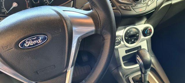Ford New Fiesta SEL 1.6 Automático vendo troco e financio R$  - Foto 4