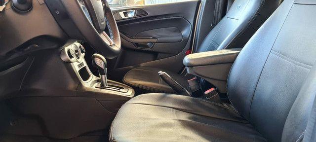 Ford New Fiesta SEL 1.6 Automático vendo troco e financio R$  - Foto 5