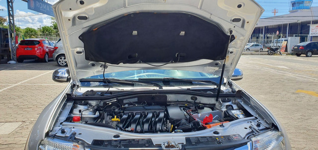 Duster Dynamique 2.0 Automática 2013 C/ 76.000 Km  - Foto 18