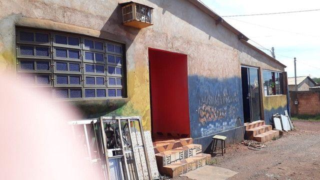 Vendo galpao grande com banheiro comercial + casa para moradia - Foto 4