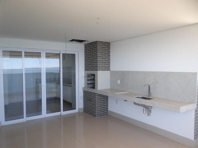 Apartamento de Alto Padrão com 3 Suites na Orla - Foto 14