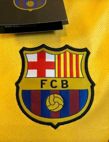 Camisa Barcelona tamanho M - Foto 2