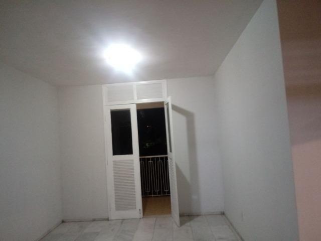 Apartamento grande Dionísio Tores