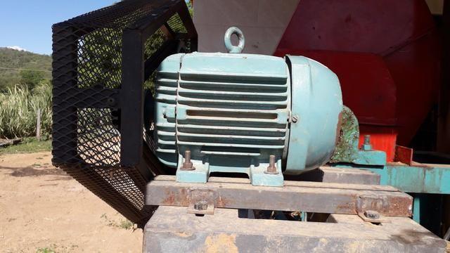 Motor elétrico weg 7.5 cv - Foto 6