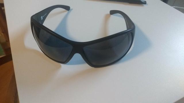 Óculos de sol - Bijouterias, relógios e acessórios - Desvio Rizzo ... 26be3cf25f