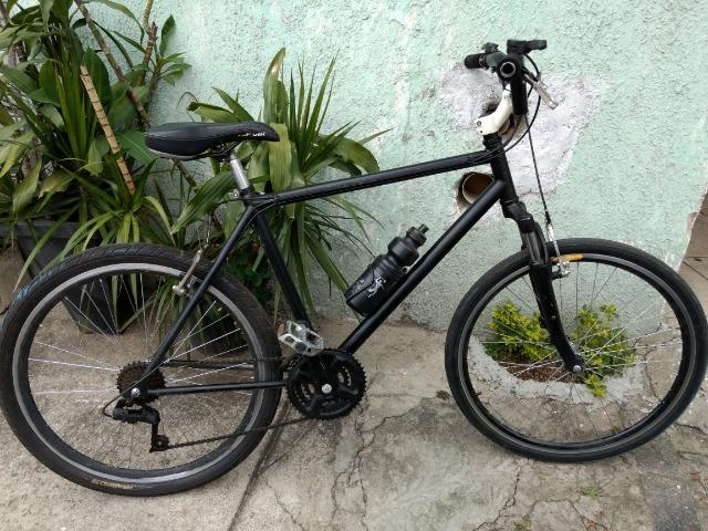 816e4ee7b Bicicleta Caloi aro 26 c  quadro de alumínio e suspensão dianteira em  alumínio