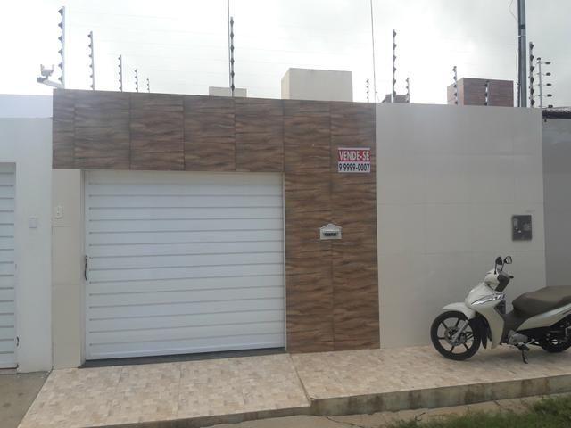 Vendo casa pouco tempo de construída prox.ao mercadinho menor preço. Rua Tobias Barreto