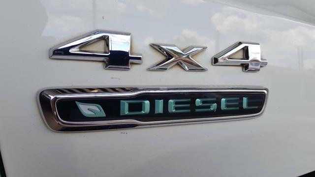 Renegade 2016 diesel 4X4 com teto - Foto 4