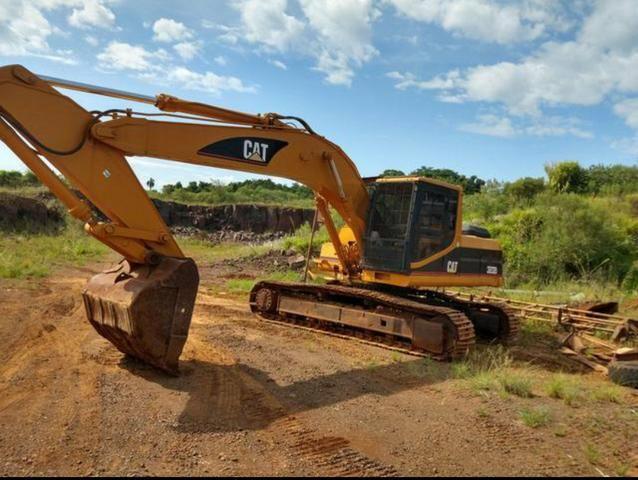 Escavadeira Caterpillar - Foto 2