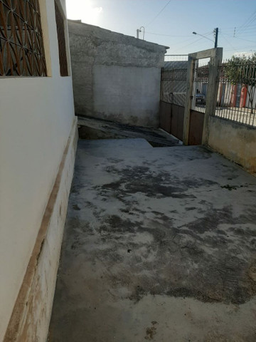 Vendo casa em Jupi, com terreno na parte de atrás. - Foto 2