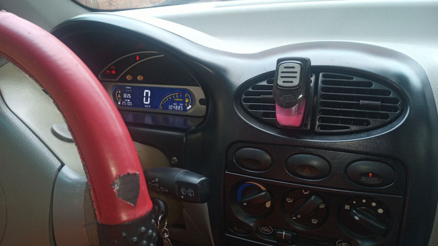 Vendo ou troco carro Chery completo - Foto 2