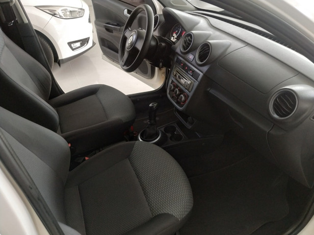 VW - VOLKSWAGEN GOL (NOVO) 1.6 MI TOTAL FLEX 8V 4P - Foto 15