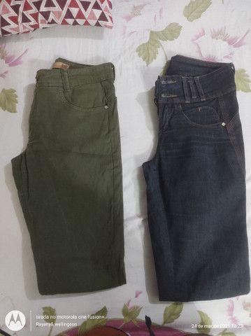 Vendo essas calças jeans masculina e feminina - Foto 2