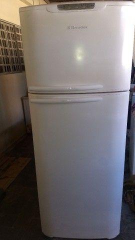 2 Geladeiras Brastemp 420 litros e 1 Eletrolux 460 litros - Foto 3