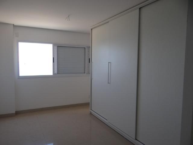 Apartamento de Alto Padrão com 3 Suites na Orla - Foto 17