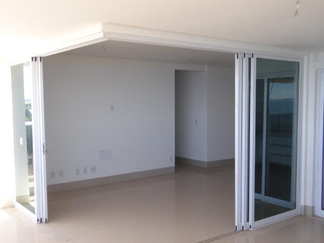 Apartamento de Alto Padrão com 3 Suites na Orla - Foto 7