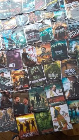 Vendo aparelho de DVD + 211 filmes em dvd - Foto 2