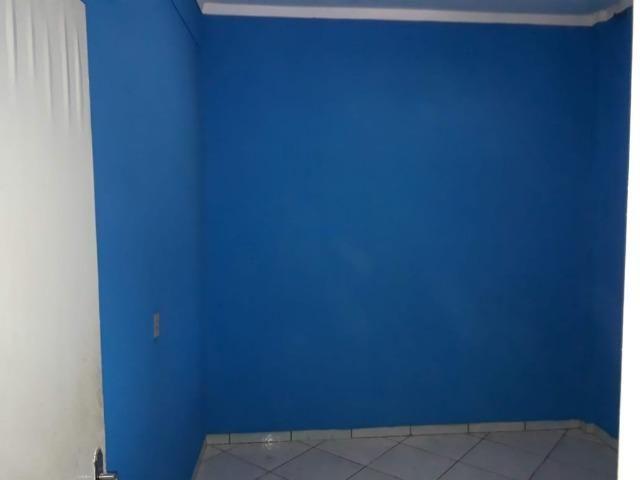 Casa espaçosa localizada no bairro Dom Bosco, com 3 Quartos - Foto 2