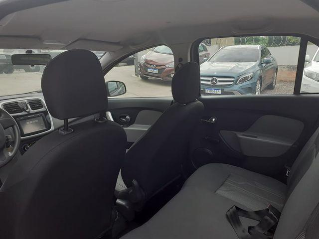 Renault Logan Expression 1.6 - Foto 9