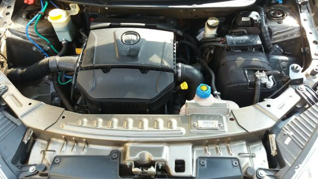 Grand siena 1.6 essence com piloto automatico - Foto 11